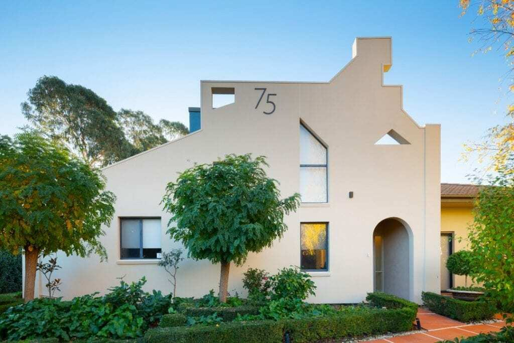 Homes by Howe Canberra builder – Enrico Taglietti designed home - facade